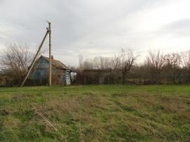 Текст объявления: Продаётся земельный участок 18с. в ст...
